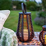 LED Solar Laterne aus Rattan - für den Außenbereich mit Tragegriff