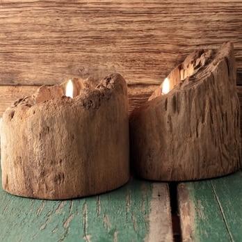 Holz-Windlicht mit Holzsockel aus einem Treibholz-Stamm