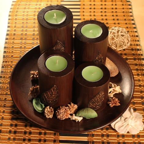 Kerzenhalter oder Ständer aus natürlichem Holz