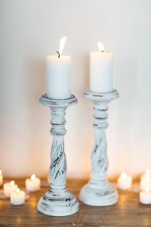 hölzerne Skandinavische Vintage Kerzenständer mit einem auch von Shabby Chic