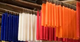Trocknungsvorgang beim Kerzenziehen - in vielen verschiedenen Farben