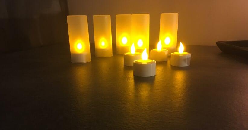Flammlose elektrische Lichter mit Ladestation