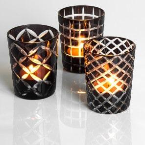 Gläserne Teelichtständer im Set