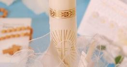 Kerze für den Täufling mit Sternen, Kreuz und Schleife zu Feier