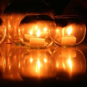 Kerzengläser in Kugelform