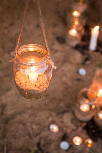 Kleine Kerze im Hänge-Glas