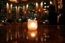 Milchiges Glas für Kerzen zum Schutz vor Wind