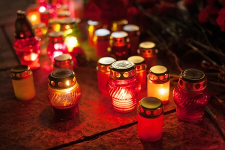 elektrische LED Grablichter mit Dämmerungssensor und langer Brenndauer